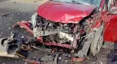 """وفاة وإصابة """"خطيرة"""" بتصادم مركبتين وحافلة صغيرة في العقبة"""