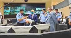 الرزاز يزور مديرية الأمن ويستمع إلى إيجاز حول اجراءات التعامل مع كورونا
