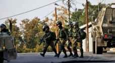 قوات الاحتلال تعتقل ستة مواطنين من الضفة بينهم فتى