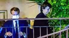 فيروز تهدي ماكرون لوحة فنية والأخير يمنحها أعلى وسام فرنسي