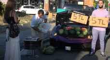 """تركي يحول مركبته """"لامبورغيني"""" بسطة لبيع البطيخ - فيديو"""