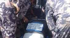 الدفاع المدني ينقذ مهندس اتصالات أغمي عليه داخل عبّارة في وسط البلد - صور