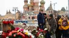 تجمع مئات الروس لإحياء ذكرى اغتيال المعارض بوريس نيمتسوف
