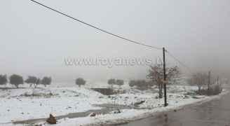 شاهد أجواء الثلوج صباح الخميس من العاصمة عمان