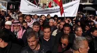 رئيس مجلس النواب عاطف الطراونة يتقدم مسيرة وسط البلد