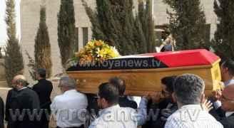 الحمارنة يشيعيون جثمان قتيل السفارة الإسرائيلية.. صور