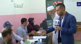 فيديو .. الزميل رعد بن طريف يصوت بالانتخابات خلال تغطيته لمجرياتها