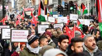 تواصل الاحتجاجات في مدن العالم للأسبوع الثاني رفضًا لإعلان ترمب
