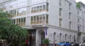 أمريكا تشتري فندقاًَ في مدينة القدس المحتلة تمهيداً لنقل سفارتها إليه