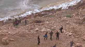 وصول جثة لفتاة من ضحايا حادثة البحر الميت الى الطب الشرعي