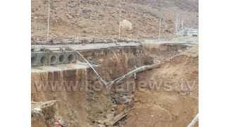 تفاصيل حول الجسر الذي انهار فجر الجمعة وقطع طريق البحر الميت.. شاهد