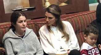 الملكة رانيا ترافقها زوجات الأمراء فيصل وعلي وهاشم يقدمن واجب العزاء للأسر المكلومة.. صور