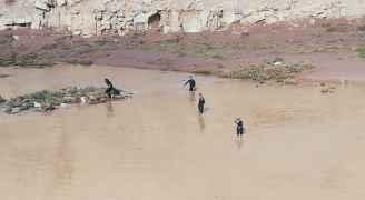 ٥٠٠ شخص من كافة الأجهزة الامنية يمشطون البحر الميت بحثا عن الطفلة المفقودة