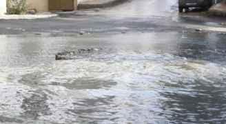 اخلاء عائلة داهمت مياه الأمطار منزلها في اربد