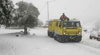 إخلاء 14 شخصا حاصرتهم الثلوج في عجلون