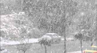 عند الثلوج .. أمانة عمّان: ابقوا في منازلكم ولا تستخدموا المركبات