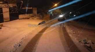 تواصل تساقط الثلوج على مرتفعات (عمان والكرك وعجلون وجرش).. فيديو