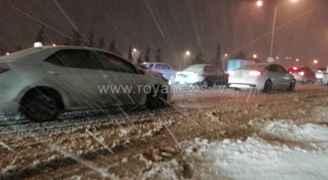 الدفاع المدني يؤمن 101 شخص إلى مناطق سكناهم نتيجة تراكم الثلوج