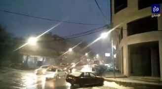 شاهد .. تساقط الثلوج في مدينة جرش