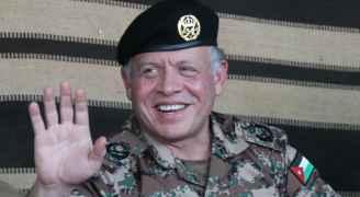 الملك عبر تويتر يحيي المتقاعدين العسكريين والمحاربين القدامى
