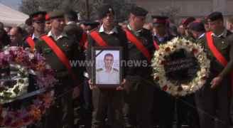 الأردنيون يشيعون جثمان الشهيد سعيد الذيب في مسقط رأسه في بلدة زبدا باربد - فيديو