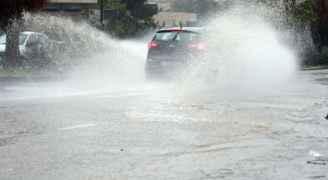 طقس العرب لرؤيا: أمطار شديدة الغزارة وأجواء عاصفة خلال الساعات القادمة وتحذيرات هامة للمواطنين  - فيديو