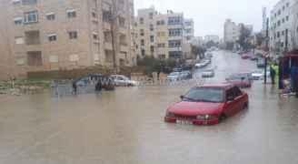 مياه الامطار تداهم منازل في مأدبا وعجلون وتوسعة مستشفى النديم