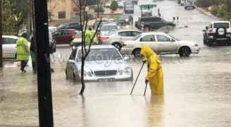 بالصور .. غرق شوارع في ضاحية الرشيد بالعاصمة عمان