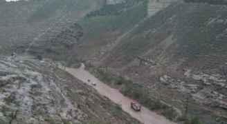 الأمن يغلق طريق وادي الغفر في اربد