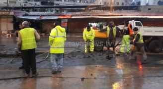 البدء بإعادة صيانة وتعبيد شارع قريش في وسط البلد - صور