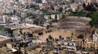 """الأردنيون عن غرق عمّان: """"إلى عظيم الروم: إلحق المدرج الروماني تبعكوا"""""""