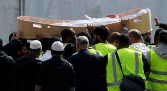 بدء تشييع ضحايا مذبحة المسجدين في نيوزيلندا.. صور