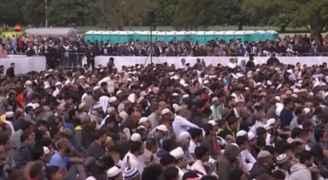 رئيسة وزراء نيوزيلندا تستشهد بحديث للرسول (ص) لنعي شهداء المسجدين.. فيديو