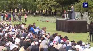 الآلاف يشيعون جثامين شهداء مذبحة المسجدين في نيوزيلندا