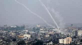 الاحتلال يصعد عدوانه.. شيهد فلسطيني  واصابات بغزة