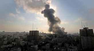 إصابتان إحداهما خطيرة بقصف الاحتلال دراجة نارية شمال غزة