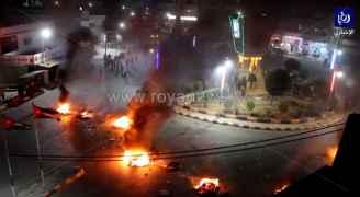شاهد بالفيديو ما حدث في الطرة بلواء الرمثا فجر الأحد من احتجاجات