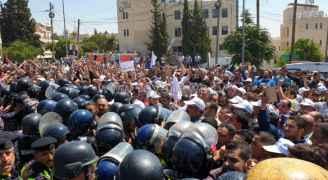 حكومة الرزاز: مستعدون للحوار مع المعلمين وملتزمون به