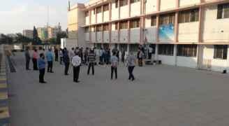 المعلمون يضربون عن العمل في مدارس المملكة.. صور وفيديو