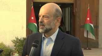 """الرزاز: كلنا أمل أن الأسبوع المقبل لن يكون فيه """"اضراب"""" للمعلمين.. فيديو"""
