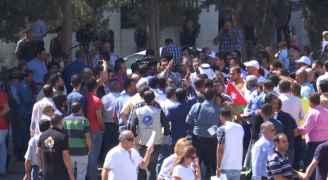 """هذا ماحدث مع """"رؤيا"""" بمجمع النقابات في عمان """"والمعلمين """" تعتذر - فيديو"""