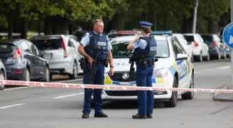 """نيوزيلندا.. دوريات مسلحة لأول مرة بعد """"مذبحة المسجدين"""""""