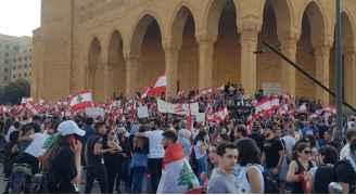 لبنان.. شارع لا يتراجع وحلول في مهب الريح