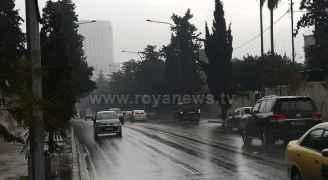منخفض جوي يحمل أمطاراً غزيرة ورياحاً قوية يؤثر على الأردن الأربعاء.. فيديو