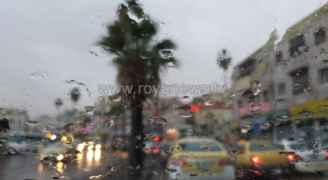 طقس بارد وتساقط للأمطار في شمال ووسط المملكة.. فيديو
