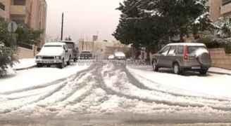طقس العرب: زخات بَرَد وثلوج مساء الثلاثاء في بعض المناطق