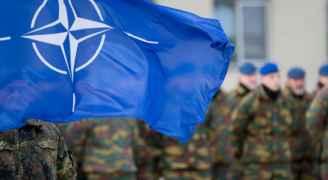 """""""الناتو"""" يعلن سحب بعض عناصره """"مؤقتا"""" من العراق"""
