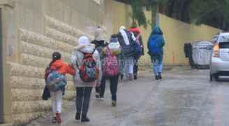 تأخير وتعطيل دوام عدد من المدارس في الأردن الخميس
