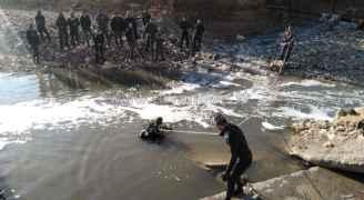 الدفاع المدني يواصل البحث عن الشاب حمزة الخطيب الذي جرفته السيول في الزرقاء.. فيديو وصور