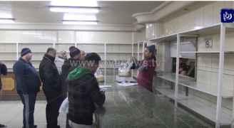 """مع قرب """"القطبي والثلوج"""".. نقيب المخابز يدعو الأردنيين لعدم التهافت على الخبز"""